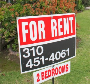 A sign advertises a two-bedroom apartment in a building at Fifth Street and California Avenue. (Photo by Daniel Archuleta)