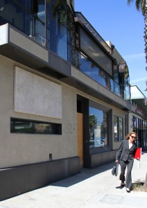 The building at 1519 Wilshire Blvd. may become a new restaurant. It was formerly The Parlor. (Photo by Daniel Archuleta)