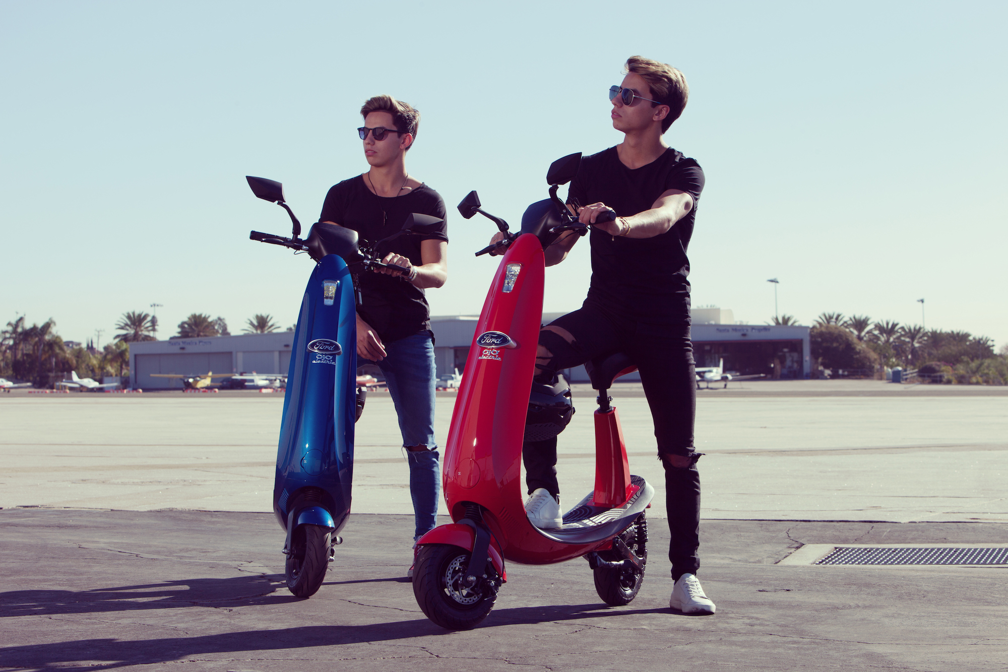 ford lends logo and brand power to local scooter start up santahidden beneath all the hype in santa monica surrounding the dockless scooter app bird, there\u0027s a second electric vehicle company in town still zooming under