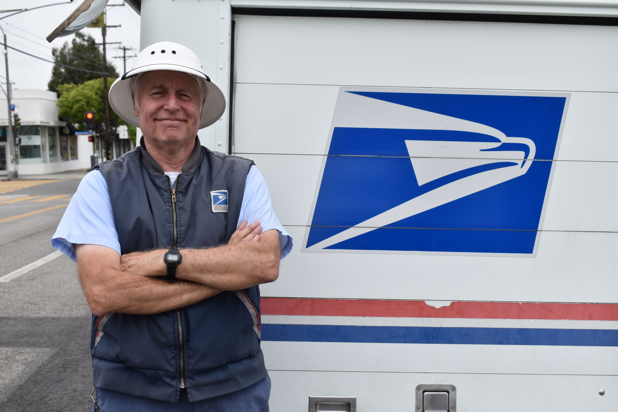 Postal Worker Retires With Four Decades Of Experience Santa