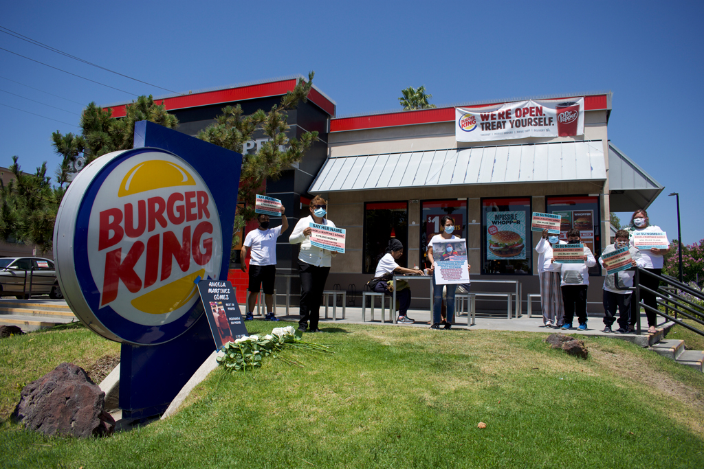 Burger King employees protest after coworker dies -